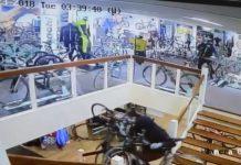Vídeo Roban 100.000 euros en bicicletas en 3 minutos en una tienda Holandesa