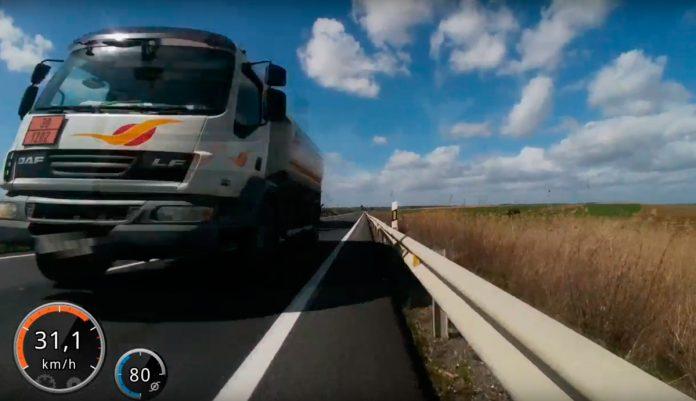 detenido un camionero por poner en peligro la vida de un ciclista en huelva