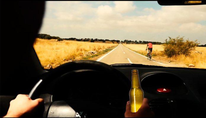 conducir bajo los efectos del alcohol y atropellar ciclistas