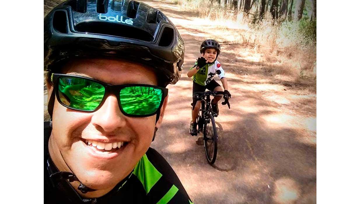 montar en bicicleta con tu hijo