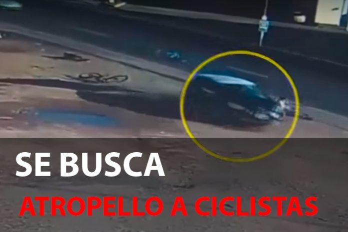 un coche atropella a tres ciclistas y se da a la fiuga