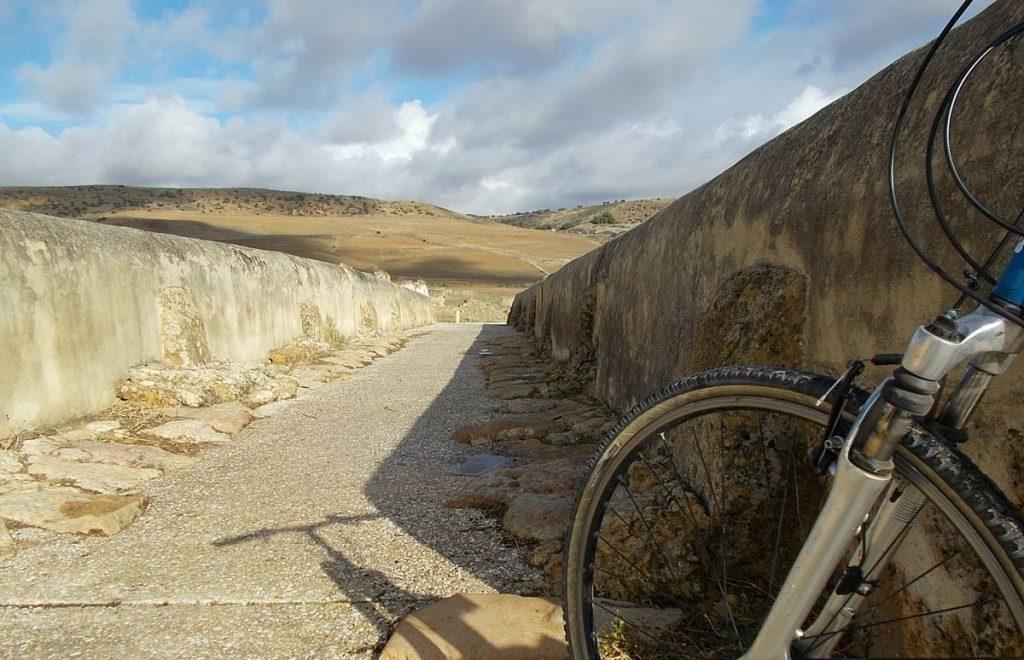 30 etapas, 1686 km. Un viaje cicloturista de historia y placer por La Vía Augusta