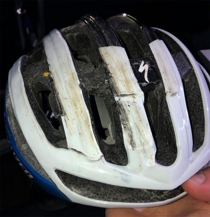 Remco-Evenepoel-caida-tour-norueg-casco-biciclet