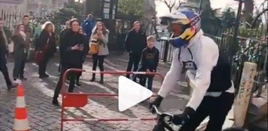 salto-escaleras-fabio-wibmer-specialized-enduro-bicicleta-francia-londres-8k