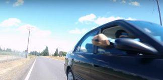 copiloto-coche-intenta-acuchillar-a-ciclista-de-carretera-cuchillo-bicicleta