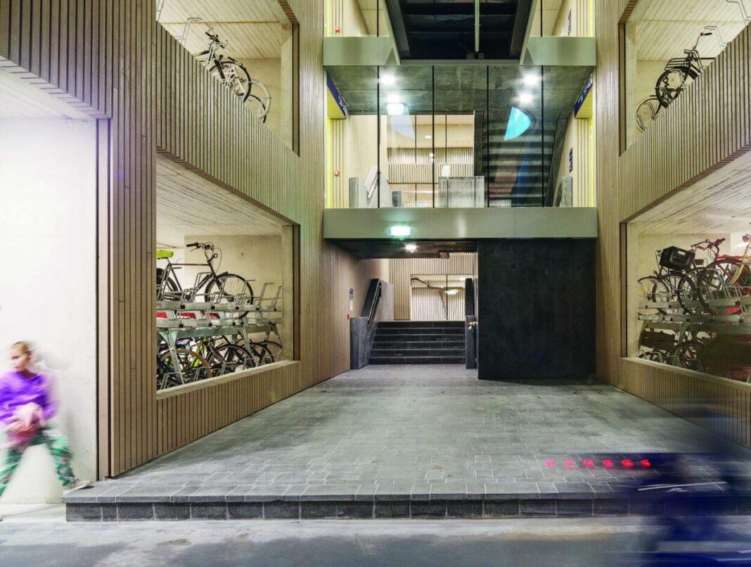 el mayor parking de bicicletas el mundo