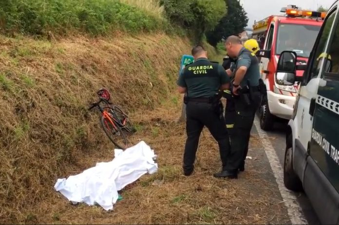 fallece-guardia-civil-trafico-montando-en-bicicleta-ciclista-carretera-acoruña video