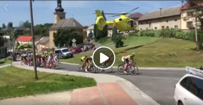 helicoptero-provoca-caida-ciclistas-peloton-carrera-competicion