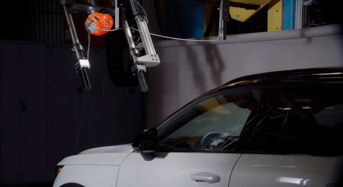 volvo y poc desarrollan el primer test de impacto de cabeza de ciclista y coche