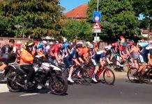 cientos de ciclistas van por el camino equivocadoEN EL CAMPEONATO NACIONAL DE CICLISMO BRITÁNICO