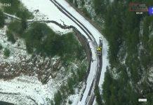 El-Tour-de-Francia-parado-por-la-nieve-y-el-granizo-en-la-carretera-etapa-19-etapa-26-julio-Saint-Jean-de-Maurienne-Tignes