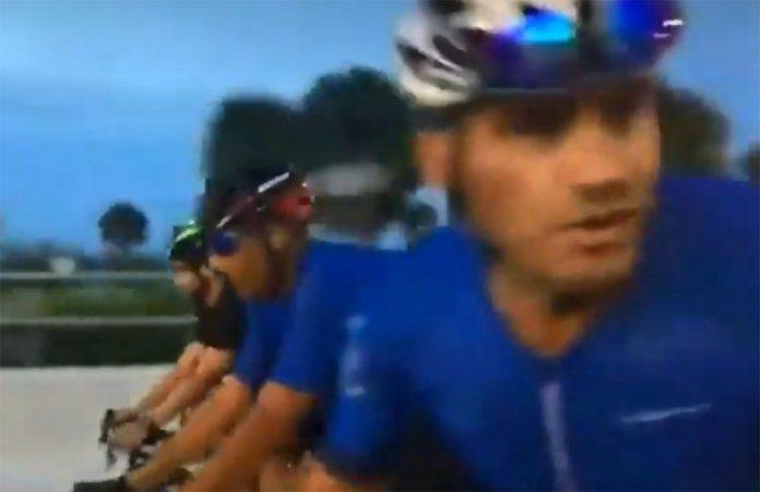 Vídeo-Un-motorista-mata-de-un-disparo-a-un-ciclista-en-una-discusión