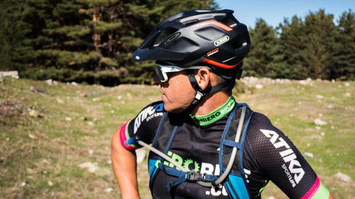 casco bicicleta montaña abus mountk