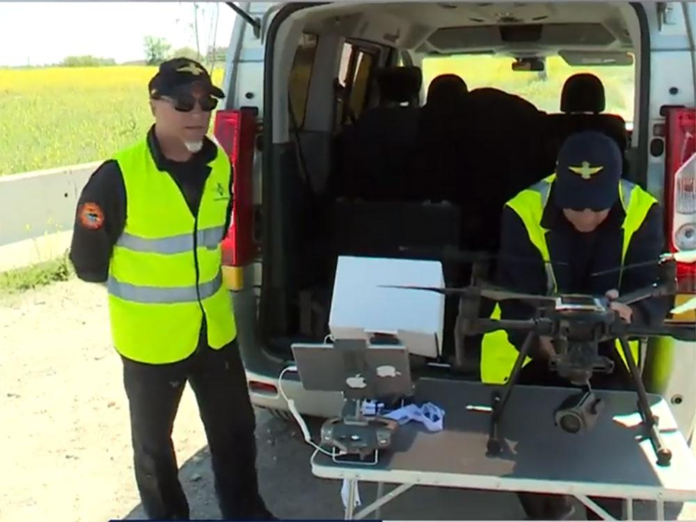 la-dgt-comienza-multar-drones-carretera-vigilancia-camara-multa-infraccion-canarias-helicoptero-guardia-civil