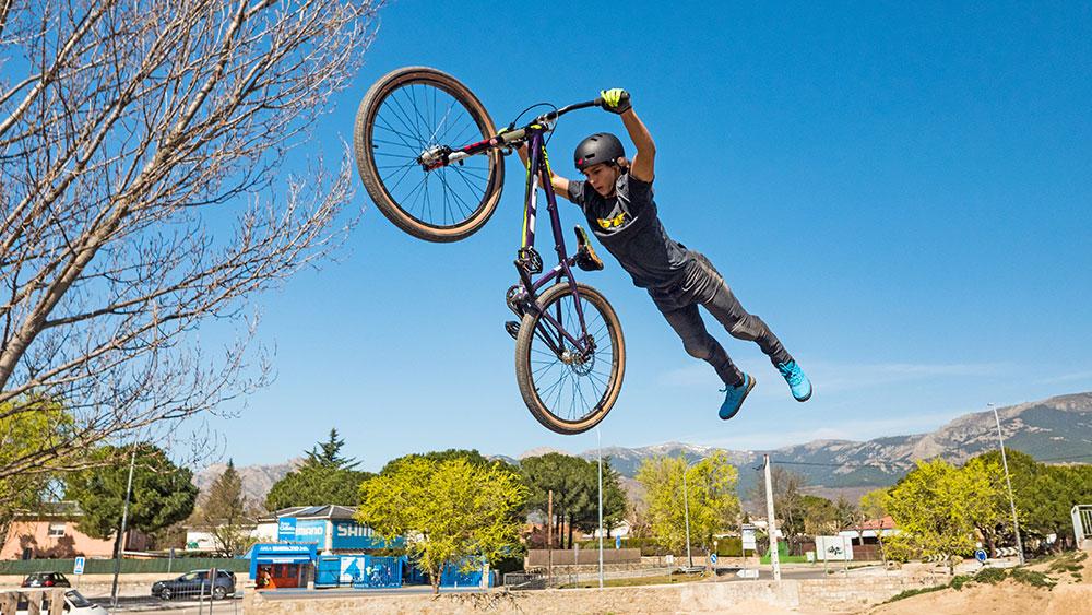 probamos-guantes-bluegrass-magnetic-lite-magneticos-ciclismo-bicicleta-de-montaña
