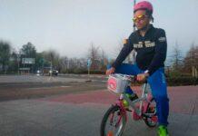 aprender a montar en bicicleta con más gente