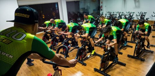 Ahora podrás ser campeón del mundo sin salir de casa. El primer Campeonato del Mundo de ciclismo indoor UCI E-Sport Cycling