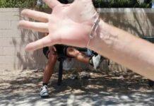 Vídeo-Un-ciclista-tira-de-un-manotazo-a-un-drone-que-le-molestaba