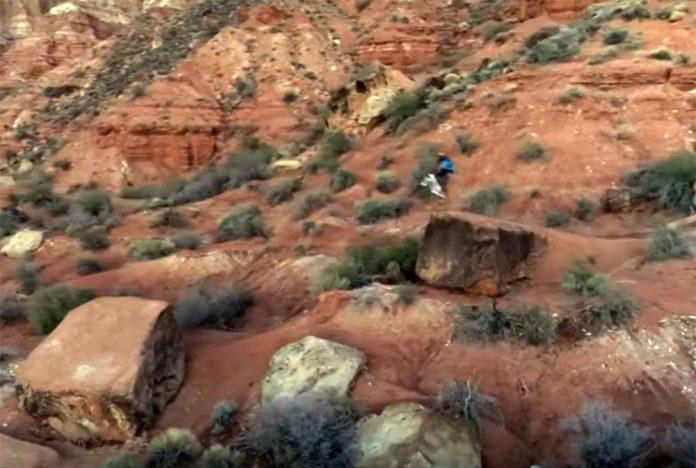 ¡Alucinante! Brandon Semenuk en el Desierto de Utah - Raw 100, Version 5
