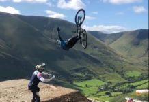 video-Las-consecuencias-de-saltar-en-bici-con-pedales-automáticos-El-Flip-Escorpión-jono-jones-red-bull-hard-line