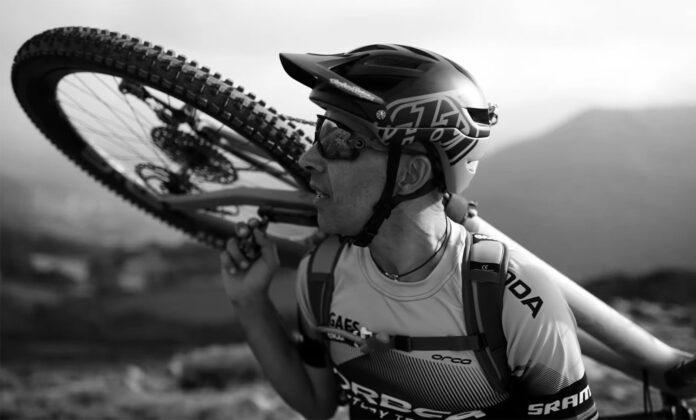 Tomi-Misser-conquista-el-Kilimanjaro.-5895m-con-la-bicicleta-Orbea-Occam-video