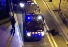 Un-carril-bici-independentista-ataca-a-un-antidisturbios-video