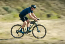 Vídeo-Es-esto-Gravel-Bike,-Gravenduro,-Trialcross-o-que-narices-hace-Chris-Akrigg-con-esta-bici