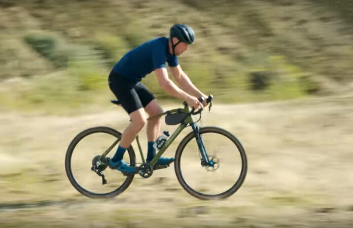 Vídeo-Es-esto-Gravel-Bike,-Gravenduro,-Trialcross-o-que-narices-hace-Chris-Akrigg-con-esta-bici