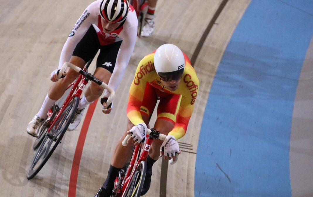 Vídeo-Impresionante-victoria-de-Sebastián-Mora-en-el-Europeo-de-Pista-Scratch-1