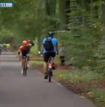 ciclista en dirección contraria