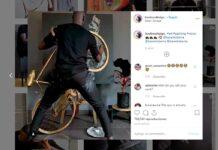 artista que pinta cuadros con ruedas de bicicletas