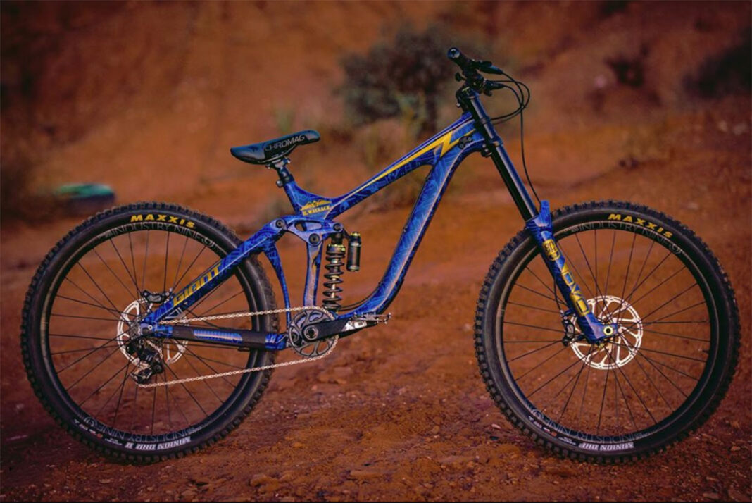 todas-las-bicicletas-del-red-bull-rampage-mountain-bike-bicycles-all-bikes-full-suspension