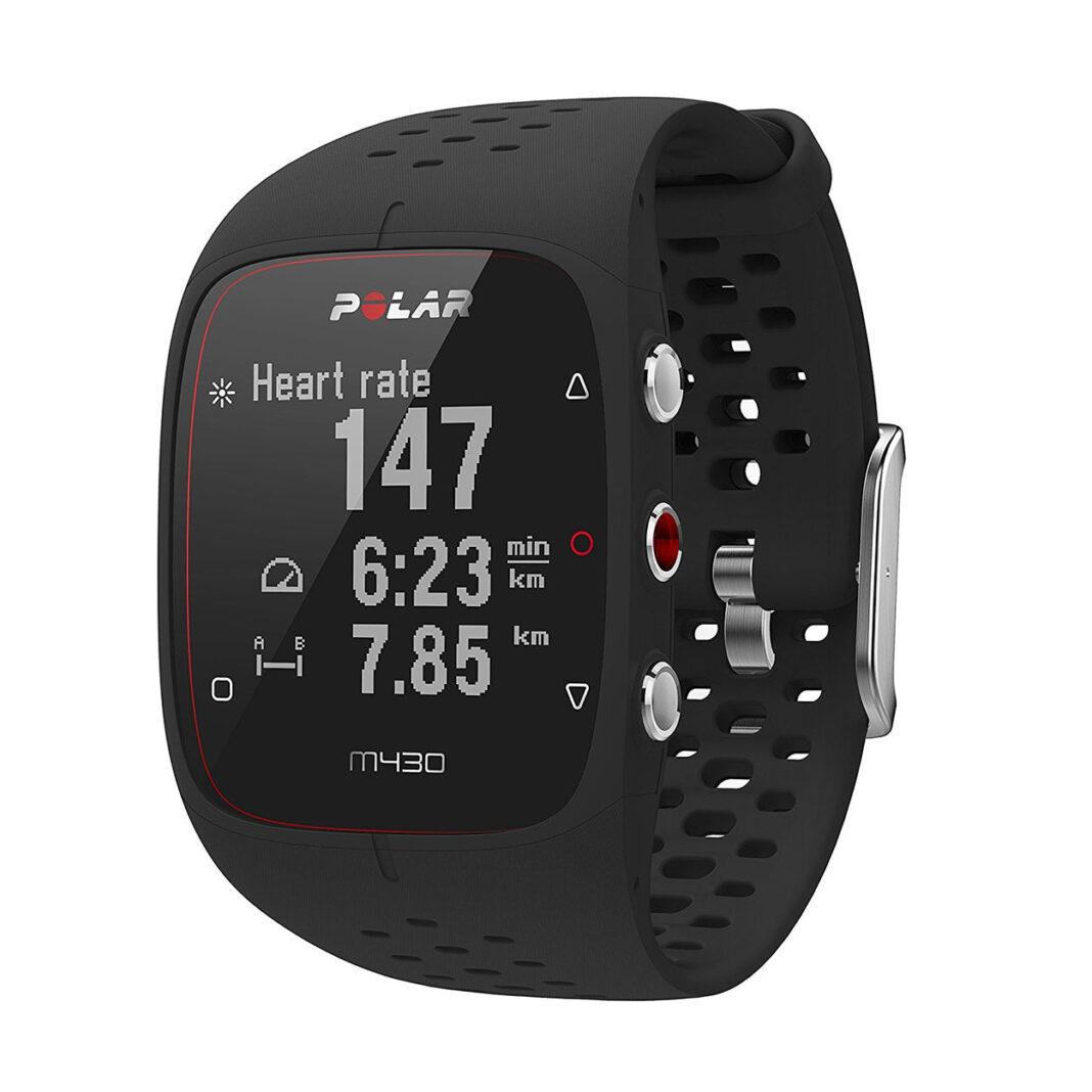 Uno de los regalos estrella para ciclistas es sin duda un pulsómetro con el que poder controlar todos sus entrenamientos. Desde las opciones de GPS para no perderte en tus rutas hasta controlar el ritmo cardíaco. Lo mejor, que también lo puedes usar a diario o para otras actividades deportivas.
