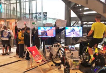 5000-km-en-bici-dentro-de-un-Centro-Comercial-zwift-rodillo-entrenamiento-bicicleta-carretera-video