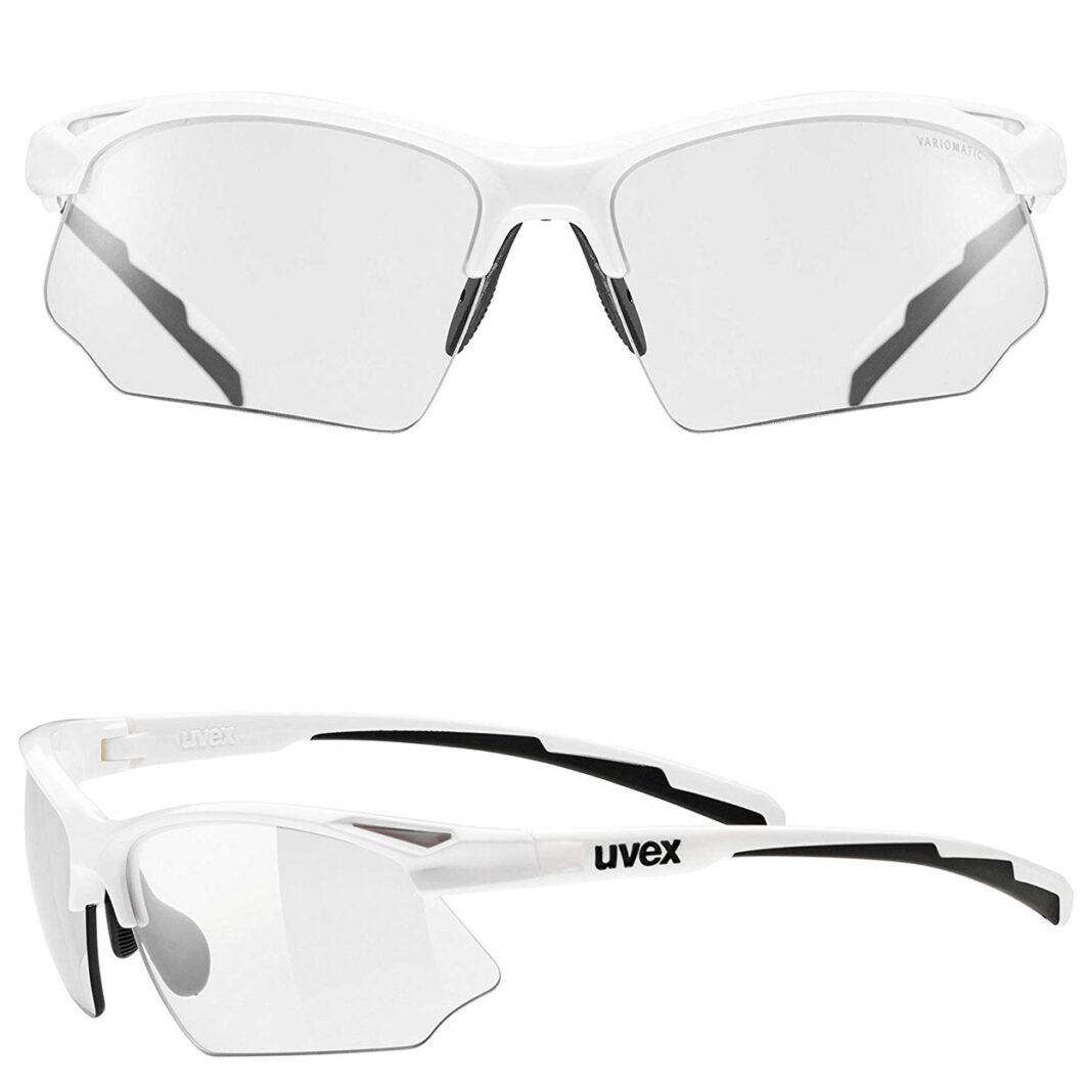 Los ojos siempre han de ir protegidos cuando montamos en bici. Lo mejor unas gafas específicas como estas con cristales fotocromáticos, que nos servirán tanto para días claros como para días nublados, gracias a que las lentes ajustan la luz cambiando de tonalidad automáticamente.