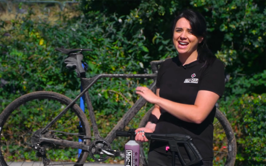 Llámame-tonto-1-Cuantos-productos-necesitas-para-lavar-una-bicicleta-muc-off-ciclocross