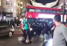 Vídeo: Ciclista de Uber Eats atropella a una mujer ¿Donde está el VAR?