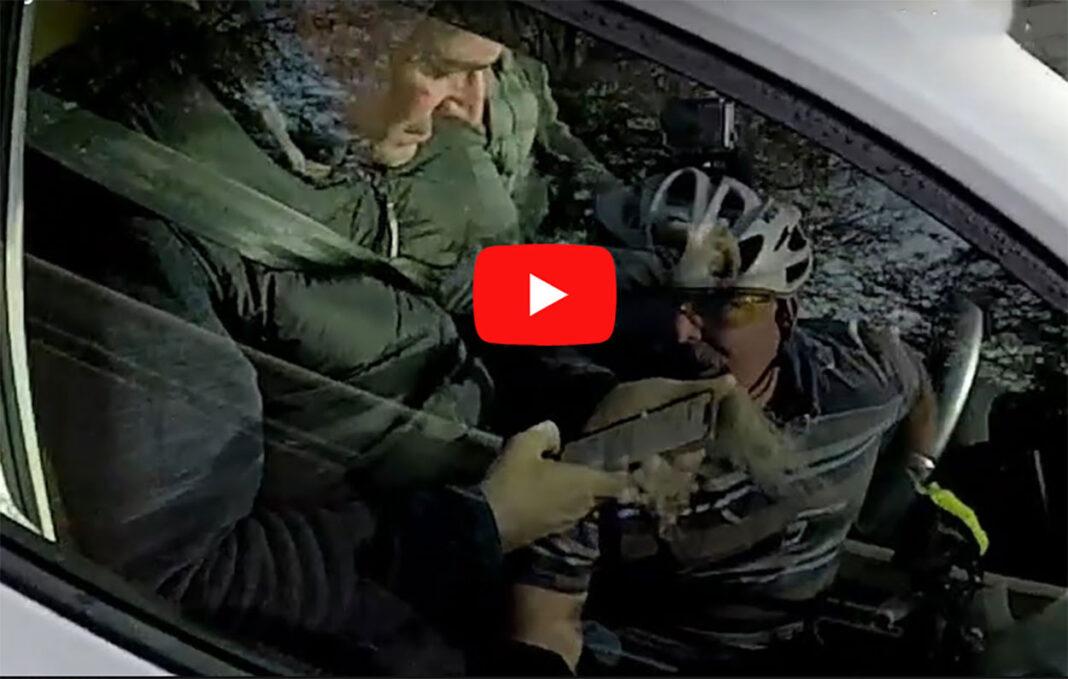 Vídeo-El-error-más-común-de-los-conductores-al-adelantar-a-un-ciclista