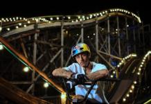Vídeo-Flipa-En-bicicleta-BMX-en-parapente,-una-montaña-rusa-o-un-hidroavión