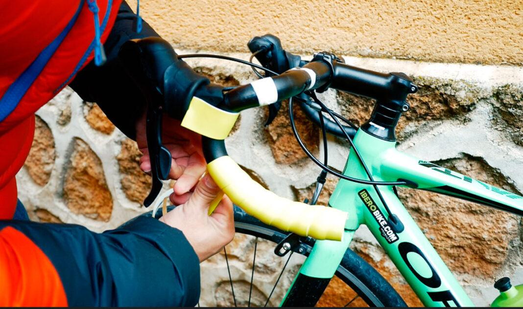 cambiar la cinta del manillar de la bicicleta
