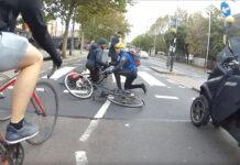 dos-ciclistas-chocan-al-frenar-en-un-paso-de-cebra-y-ocurre-esto-bici-bicicleta-bike-ciudad