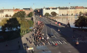 eliminar-aparcamientos-para-crear-carriles-bici-ciudad-madrid-oslo-bruselas-amsterdam-coche-electrico-contaminacion