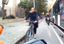 motomorro-carril-bici-invadido-por-motocicletas-barcelona-madrid-bicicleta-policia