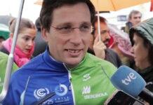 Almeida-se-viste-de-ciclista-para-la-Cumbre-del-Cambio-Climático-COP25
