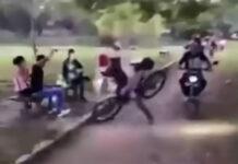 """Vídeo: """"Es el alcalde, el que quiere que la bicicleta sean los vecinos"""" - La caída en bici del alcalde"""