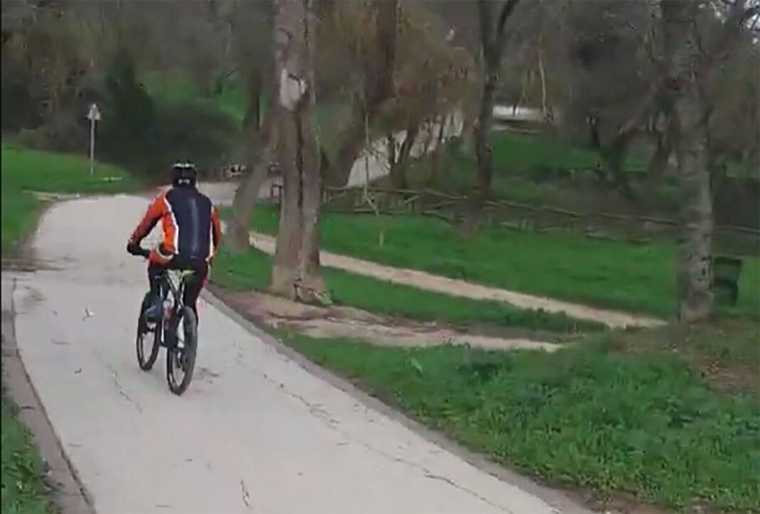 Vídeo: Los ciclistas que abusan de los carriles bici de la Casa de Campo de Madrid