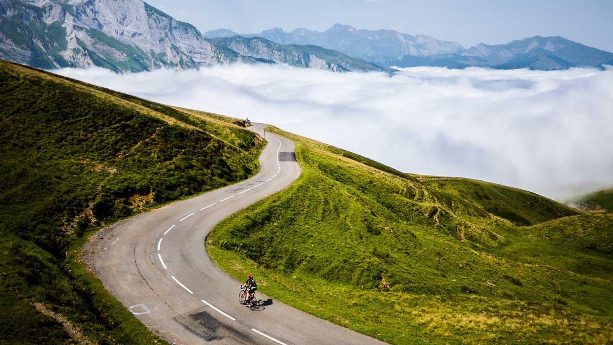 subir en bicicleta el col d aubisque