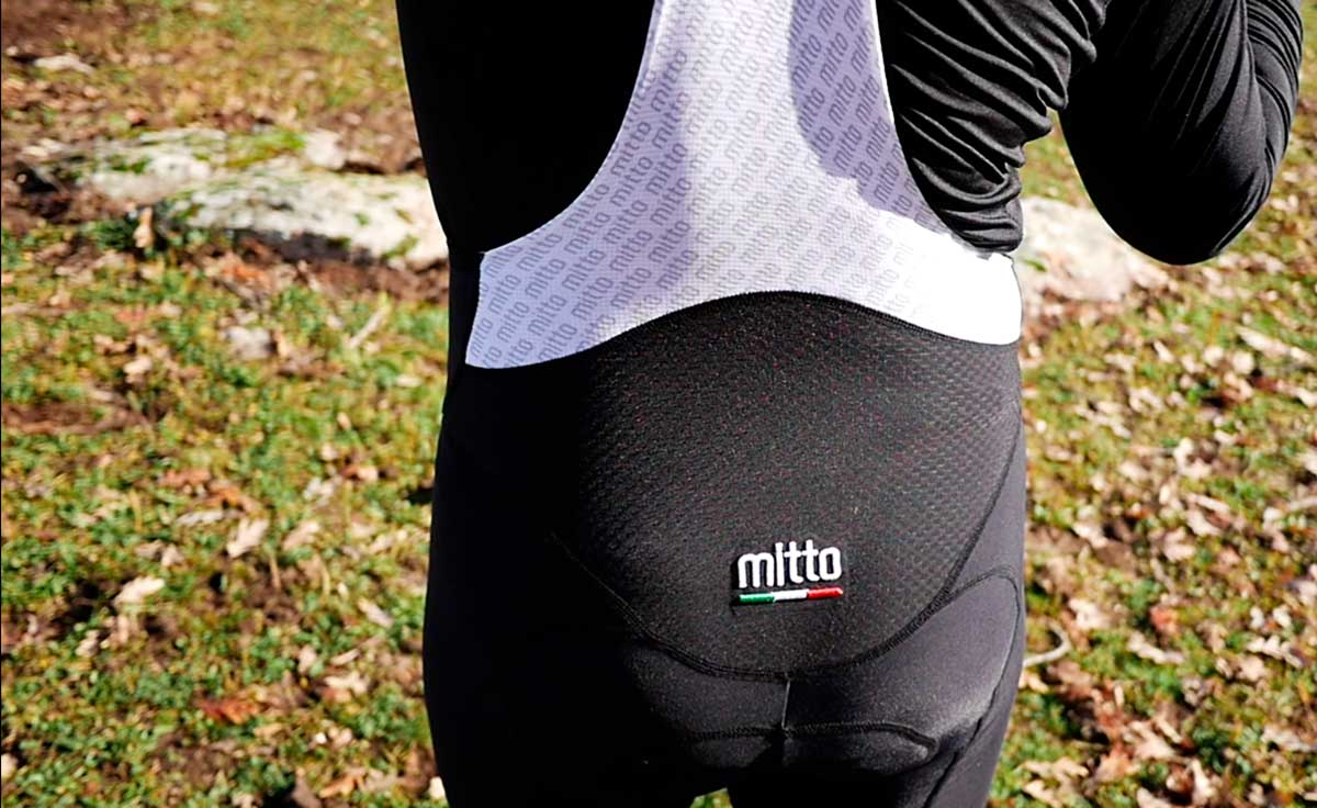 equipación personalizada ciclismo Mitto Custom Wear