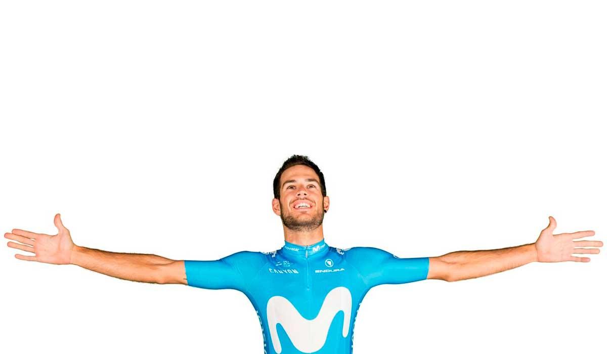 Hector Carretero del equipo ciclista Movistar Team