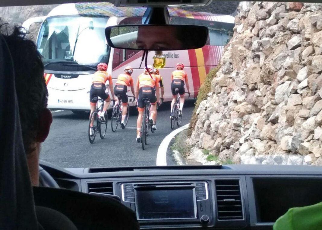 Cinco-ciclistas-heridos-al-caerse-en-montonera-mientras-montaban-el-fin-de-semana-en-bicicleta